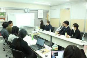 勉強会「AdobeXDの使い方の説明や実演」の写真
