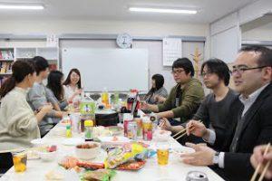3月社員懇親会を行いましたの写真