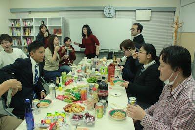 12月社員懇親会を行いましたの写真