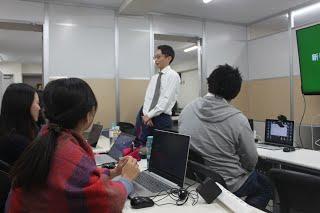 12月社員全体定例会議を行いましたの写真