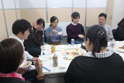 11月社員懇親会を行いましたの写真