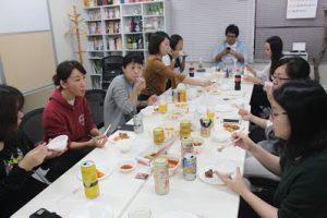 10月社員懇親会を行いましたの写真